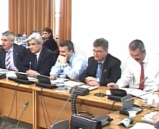 Parlamentarii vor sa dezbata sambata toate cele 6.000 de amendamente pe buget
