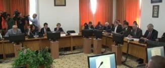 Parlamentul a adoptat bugetul in forma initiala. Iohannis e obligat sa-l promulge