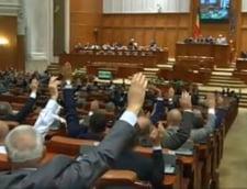 Parlamentul a adoptat plafonarea pensiilor speciale pe care le primesc deputatii si senatorii