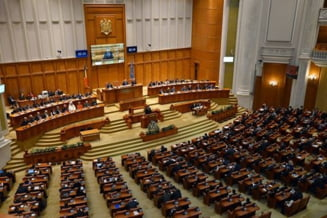 Parlamentul a aprobat Strategia Nationala de Aparare a Romaniei. Deputatii si senatorii USR s-au abtinut la vot