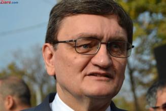 Parlamentul a decis: Ciorbea va beneficia de pensie similara CCR si o va putea cumula cu salariul