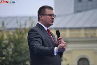 Parlamentul a vacantat functia de director SIE, la sapte luni dupa demisia lui Mihai Razvan Ungureanu
