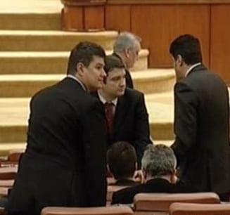 Parlamentul a validat, cu majoritate de voturi, comisiile SRI si SIE