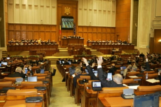 Parlamentul cere demisia lui Basescu: Declaratia, trimisa membrilor Consiliului European