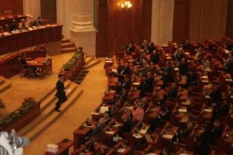 Parlamentul dezbate luni in plen bugetul pentru 2012