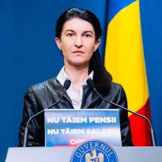 Parlamentul dezbate motiunile simple depuse de PSD impotriva ministrilor Violeta Alexandru si Ion Stefan