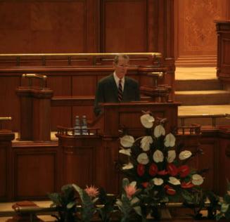 Parlamentul l-a comemorat pe regele Mihai. Principesa Margareta: Romanii l-au privit ca pe un far luminos