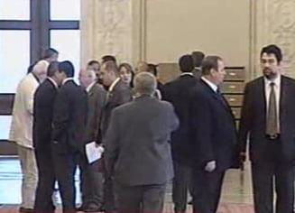 Partidele au inceput primele negocieri oficiale pentru formarea Guvernului