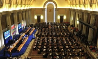 Partidele se pregatesc de congrese - Ce schimba 2013 pe scena politica