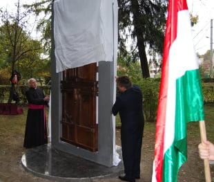 Partidul Civic Maghiar il sustine pe Traian Basescu in turul doi
