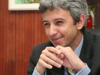 Partidul ilegal al lui Diaconescu, cota de incredere de 8% - sondaj CURS