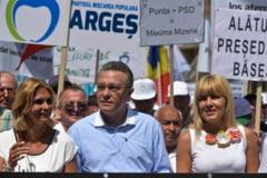 "Partidul lui Basescu isi schimba candidatul la prezidentiale. ""Romanul nu vrea un diplomat la conducere, ci un om care sa pupe si tigani, si tarani"""