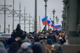 Partidul pro-Kremlin conduce alegerile parlamentare după numărarea a peste 70% din voturi. Opoziţia invocă fraude electorale