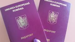Pasapoartele simple electronice vor fi valabile 10 ani, pentru romanii care au peste 25 de ani