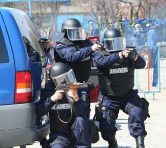 Pasi spre desfiintarea Jandarmeriei? Peste 9.000 de jandarmi au fost transformati in politisti
