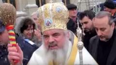 Patriarhul Daniel, apel catre romanii din strainatate: Pastrati legatura cu copiii ramasi acasa