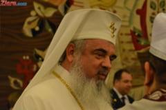 Patriarhul Daniel iese cu un mesaj dedicat diasporei la trei zile de la violentele din Piata Victoriei