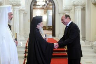 Patriarhul Ierusalimului, la Cotroceni. A fost decorat de Basescu
