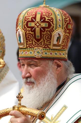 """Patriarhul Moscovei le cere femeilor sa evite avortul: """"Da nastere copilului si da-ni-l noua, Bisericii"""""""