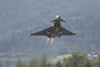 Patru aeronave Eurofighter Typhoon ale Fortelor Aeriene Regale Britanice, la baza de la Mihail Kogalniceanu