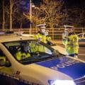 Patru bărbați reținuți de polițiști, după ce au jefuit victimele unui tragic accident rutier