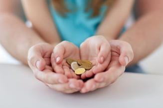 Patru femei inselat statul, pentru a pune mana indemnizatii de crestere a copilului. Una incasa lunar 6.200 de lei!