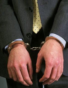 Patru oameni de afaceri greci, arestati pentru ca nu si-au platit impozitele