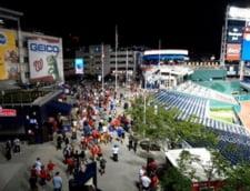 Patru persoane, impuscate in exteriorul unui stadion din Washington. Scene de haos, dupa ce spectatorii si jucatorii au parasit terenul in fuga VIDEO