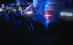 Patru persoane, ranite intr-un accident la Gura Ialomitei. Masina s-a rasturnat intr-o curba periculoasa