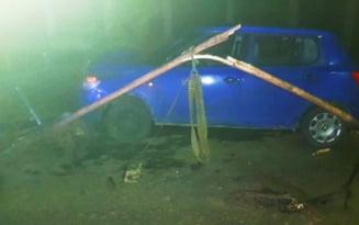 Patru persoane au fost ranite pe DN2A in impactul dintre o masina si o caruta