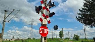 Patru soferi amendati si lasati fara permis la trecerea cu calea ferata de pe DN12, la Malnas