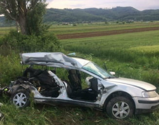 Patru studente au murit, dupa ce masina lor a fost spulberata de tren in Maramures