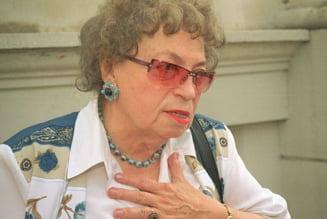 Paula Iacob, colaborator al Securitatii: A primit gladiole, tort si o vaza de flori