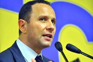 Pavelescu vrea ca PNTCD sa mearga singur la europarlamentare