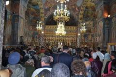 Pe 6 mai, de Izvorul Tamaduirii, are loc hramul Manastirii Nucet