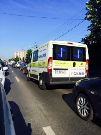 """Pe nervii nostri: """"Razboiul civil"""" din Domnesti pentru un pasaj promis de 10 ani"""