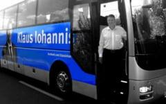 Pe urmele lui Obama: Iohannis ia tara la pas cu autocarul