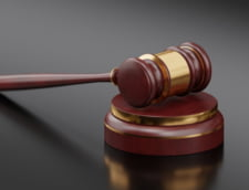 """Pedeapsa primita de un fost consilier local care a facut scandal in sala de judecata. I-a spus judecatoarei: """"esti o nesimtita, toti ati fost platiti, sunteti niste corupti"""""""