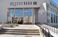 Pedepse cu suspendare pentru angajatii Primariei Piatra Olt