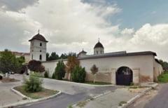 Pelerinaj la Manastirea Sfintii Voievozi din Slobozia la sarbatoarea Izvorului Tamaduirii