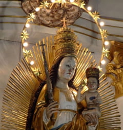 Pelerinaj la statuia facatoare de minuni: 150.000 de catolici la Sumuleu Ciuc, de Rusalii