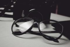 Pensionarii bucuresteni pot depune cereri pentru ochelari din 17 septembrie: Toti care se incadreaza primesc
