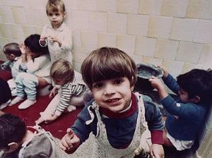 Pentru orfanii din Romania, adoptia este in continuare o raritate - NPR