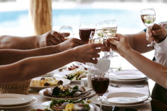 Pentru prima oara in Romania vinul se intalneste cu street food chiar la Palatul Parlamentului