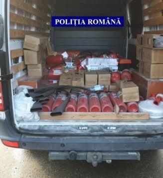 Perchezitii in Bucuresti si 28 de judete legate de activitatea unei firme ce activa in domeniul PSI. Ce incalcari ale legii urmaresc politistii