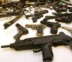 Perchezitii in Lugoj - se cauta persoane care detin arme ilegal (Video)