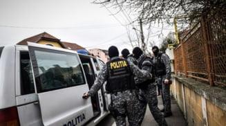 Perchezitii intr-un dosar de furt calificat, in Draganesti Olt, Slatina si Daneasa