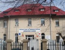 Perchezitii la Spitalul de Arsi: Conducerea, anchetata pentru operatii estetice ilegale