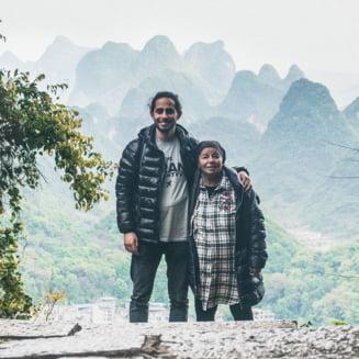 Perechea de excursionisti care a emotionat o lume. El - 26 de ani, ea - 74 (Video)