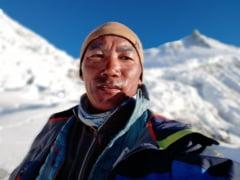 Perfomanta greu de egalat. Un serpas nepalez va escalada varful Everest pentru a 25-a oara